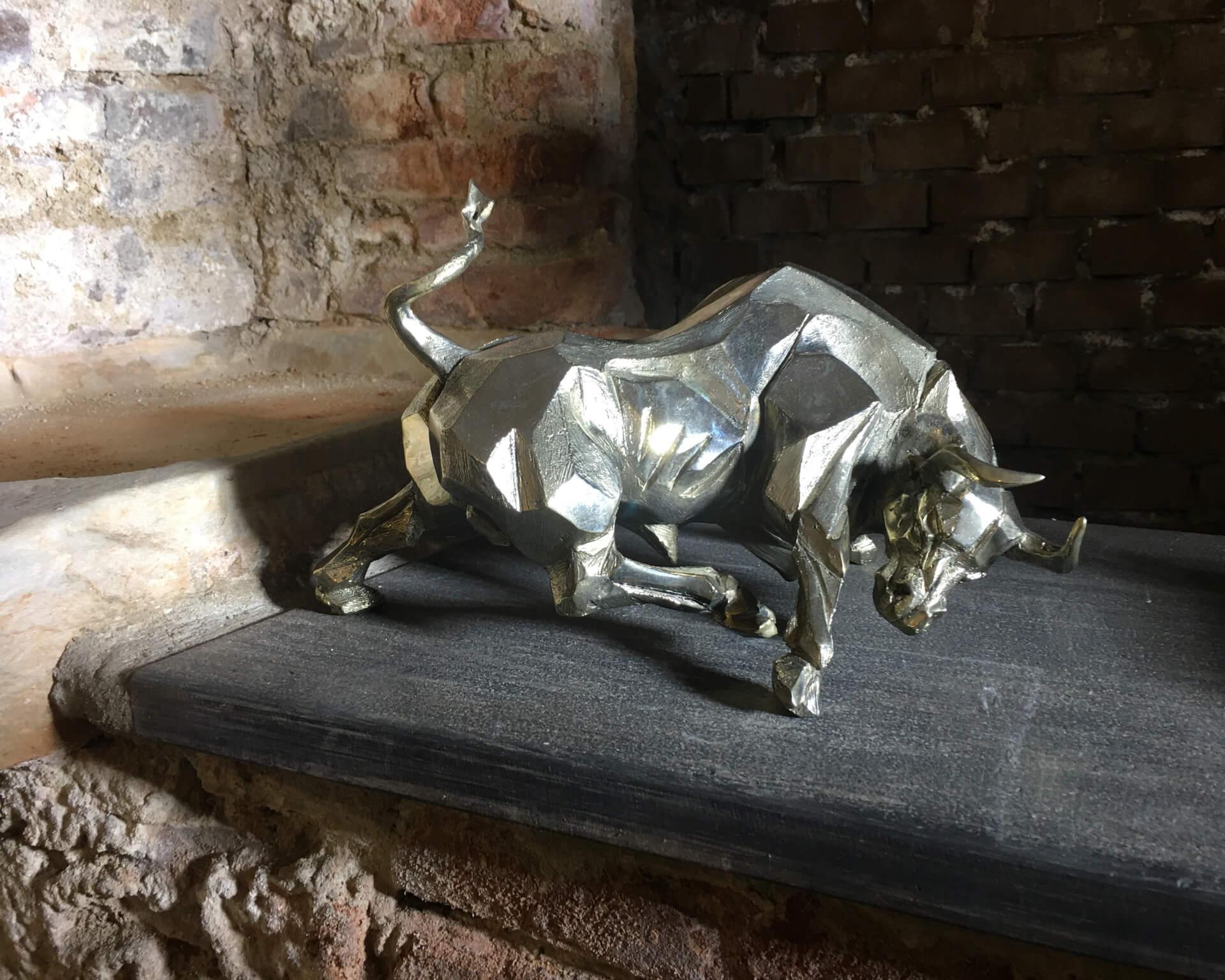 laura tartarelli contemporary art pietrasanta toro di sabrina ferrari
